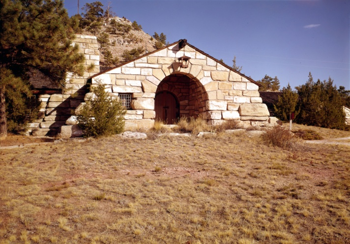Guernsey_State_Park_Museum,_Highway_317,_Guernsey_(Platte_County,_Wyoming)